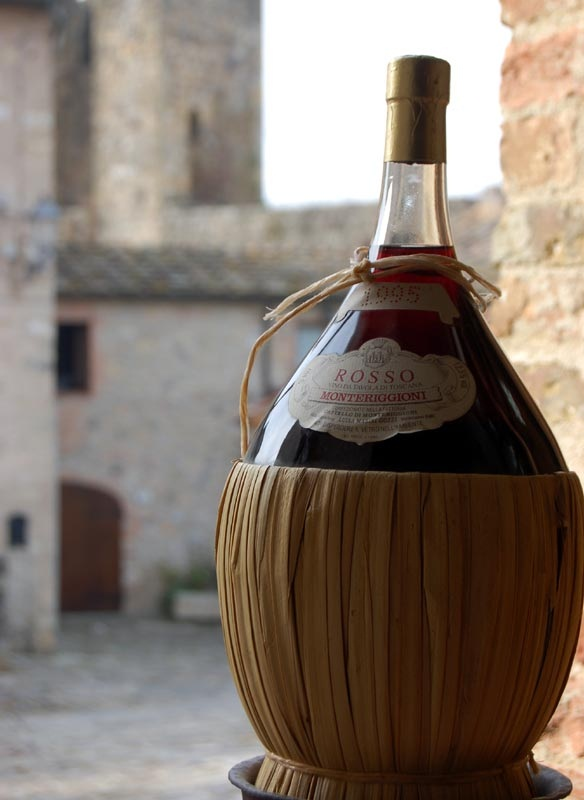 Tipical chianti bottle from Tuscany by Giulio Nepi img  The Modern Butlers' Journal for Service Professionals Worldwide, September, 2012