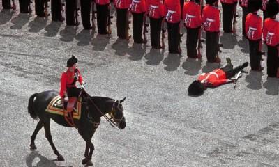 Queenonhorseback